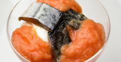 Sgombro marinato con ricotta di pecora e passatina di pomodoro fresco, preparato e fotografato da Giorgio Giorgetti, personal chef Varese Como Milano Lombardia, su Cucino di te.