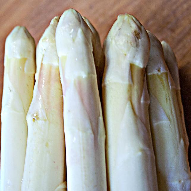 Asparago bianco di Cantello. Cucino di te. Foto di Giorgio Giorgetti, personal chef Varese