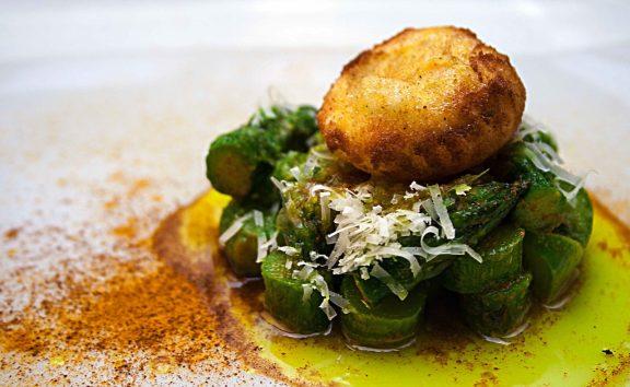 uovo fritto con asparagi verdi (Cucino di Te)